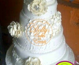 6 Layers White Wedding Cake with Flower